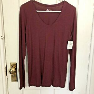 Susina Shirt Size S Long Sleeve Burgundy Scoop Neck Tee Tshirt Top