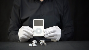Genuine Apple iPod Video 30GB White - *The Masked Man*
