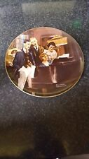 Close Harmony Collector Plate