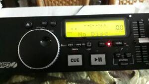 Numark MP102 DJ MP3/ CD Player