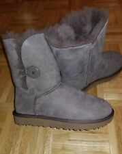 UGG Bailey Button II Fur Lined Boots ~Size 7~ grey new