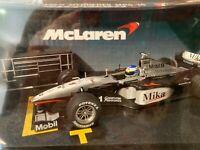 Hot Wheels Racing McLaren Mercedes MP4-14 Mika Hakkinen #11 1999 1/24 REFUELING