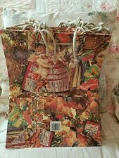 Package of 12 Large Holiday Gift Bags, Beautiful