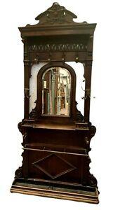 Porte manteau de style Napoléon III en noyer massif XX siècle