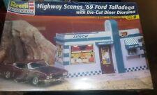 REVELL 1969 FORD TORINO TALLADEGA  W/DINER DIORAMA 1/24 Model Car Mountain  FS