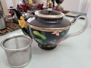 Tea's & C's Black Floral Contessa Maxwell Williams 500 ml  Teapot