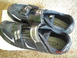 Shimano SPD MTB Schuhe Gr. 45 schwarz mit Klickplatten