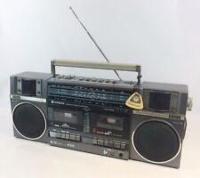 Hitachi Radio Cassette TRK-W55E Boombox Ghetto Blaster Retro 80's Vtg FM/SW/LW