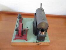 Schöne sehr alte Dampfmaschine