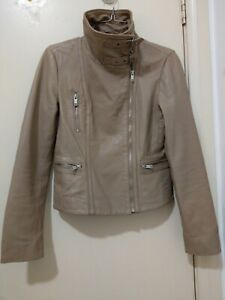 Just Jeans womens beige lamb soft genuine leather jacket size 6 long sleeve