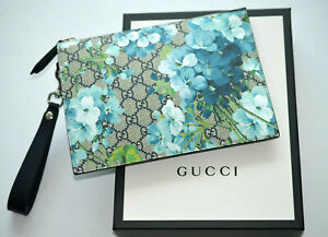GUCCI Blooms Supreme Wristlet Clutch Bag Pouch with Gucci box   546349