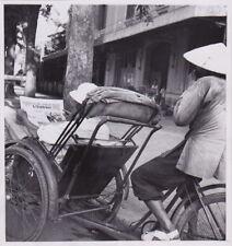 HANOI INDOCHINA by ROBERT DELVAC Velo-Taxi Pedi-Cab * VINTAGE 1954 press photo