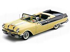 1955 Pontiac Yellow Black 1:18 SunStar 5052