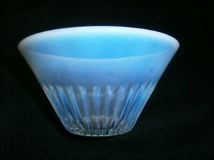 SMALL ANTIQUE OPAQUE GLASS BOWL WITH RIDGED DESIGN