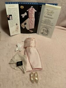 JACKIE KENNEDY Pink Dress with Mantilla Franklin Mint Doll Ensemble