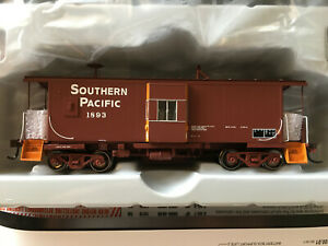 Athearn Genesis G63351 SP Southern Pacific C-50-4 Bay Window Caboose #1893 *NEW*