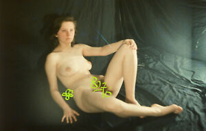 Art slide Diapositive / Negative - Nude woman lying on the bed  1980s