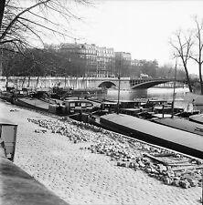 PARIS c. 1960 - Péniches le Long des Quais - Négatif 6 x 6 - N6 P128