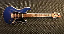 FENDER STRATOCASTER GUITAR ENAMEL PIN BADGE GREAT GIFT FOR MUSIC LOVERS (PB31)