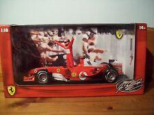 1/18 Michael Schumacher Ferrari 2004 debout figure 7X champion