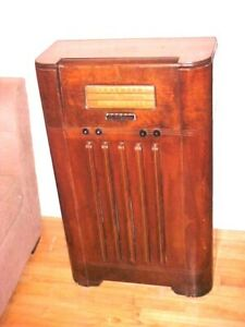 ANTIQUE RADIO EMERSON CONSOLE RADIO 1939 MAHOGANY INGRAHAM CABINET AM-SW