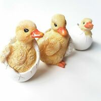 3 x Baby Hatching Ducklings Chicks Cute Home Decor Garden Ornaments Decoration