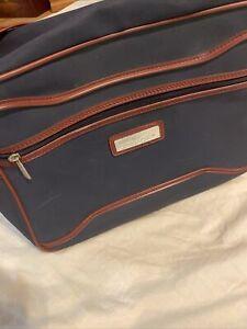Vtg JORDACHE Blue Burgundy Adjustable Strap Carry-On Tote Duffle Bag Luggage Gym