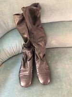 Authentic Chanel black leather pull on boots size 39 made in Italy