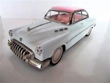 Voiture ancienne jouet métal old vintage old toy car Buick 2 portes 1950