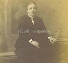 CABINET CARD PHOTO: PENSIVE ADOLESCENT GIRL Frilly Collar SEATED on STUDIO PROP