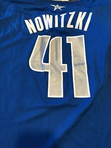 Dirk Nowitzki Signed Dallas Mavericks Jersey AUTOGRAPHED Sig Auto BECKETT