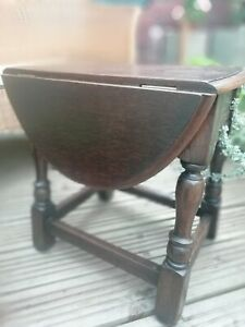 Vintage 1940s CC41 Solid Oak Twist Top Drop Leaf Side Coffee table