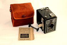 C1940s Cámara Kodak Six-20 'Brownie' modelo D vienen en en muy buena condición #01