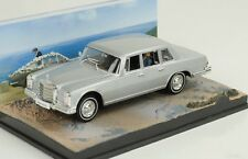 MERCEDES-BENZ 600 W100 PLATA james bond Película MAJESTYS SECRET SERVICE 1:43