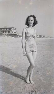 LQQK vintage 1940s negative, DELIGHTFUL OLD SCHOOL SWIMSUIT GIRL NEXT DOOR #51