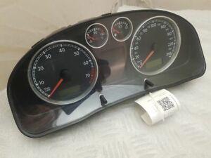 Volkswagen PASSAT B5.5 2002 Speedometer (instrument cluster) 3B0920805