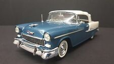 1955 CHEVROLET CONVERTIBLE  PRO BUILT 1/25TH NICE