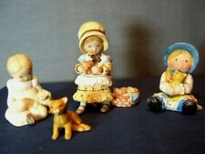 3 VINTAGE HOLLY HOBBIE MINIATURES COLLECTION FIGURINES KITTENS LOT & 1 TABBY CAT