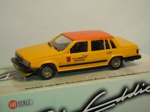 1987 Volvo 760GL Taxi - Rob Eddie RE 32x England 1:43 in Box *35839