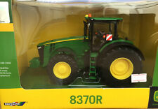 Britains 42999 John Deere 8RT Tractor Model 1:32 Farm BNIB