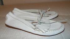 Women's Minnetonka Fringed Kilty White Leather Sz 10