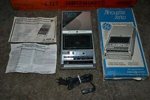 WORKING GE Silhouette Series Slim AC/DC Portable Cassette Recorder Model 3-5157