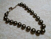 VINTAGE CAROLEE HEAVY GLASS FAUX PEARL MOSS GREEN BEADED NECKLACE