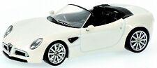 Alfa Romeo 8c Spider White Metallic 1:64 model Minichamps