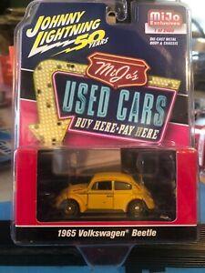 1/64 JOHNNY LIGHTNING MIJO'S UESD CARS 1965 VOLKSWAGEN BEETLE WEATHERED YELLOW