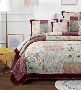 DaDa Bedding Old World Patchwork Burgundy Velvet Red Border Floral Bedspread Set