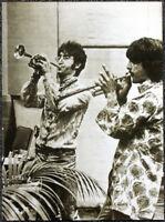 THE BEATLES POSTER PAGE . 1967 JOHN LENNON & GEORGE HARRISON . I42