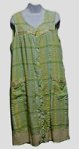 Women's House Dress Sleeveless Size Large Snap Front Cotton Blend Green Plaid
