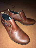 Lovely Dark Brown Leather Ankle Boots Size 8 Hardly Worn Winter Boots