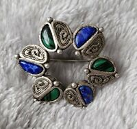 VINTAGE SCOTTISH THEMED AGATE SMALL BROOCH PIN malachite blue lapis?? Stones